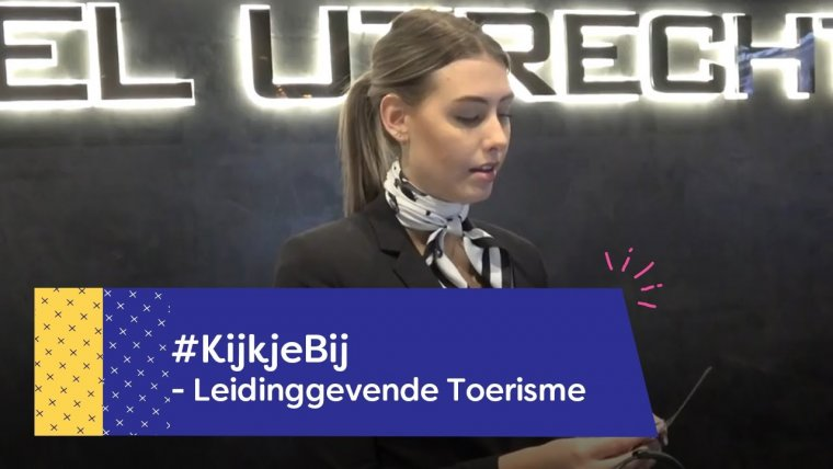 YouTube video - Student Toerisme Alissya loopt stage achter de receptie van Van der Valk Utrecht