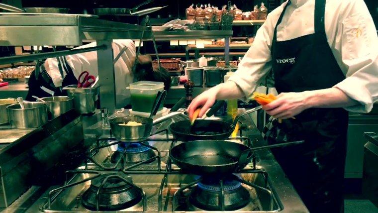 YouTube video - Kok worden? Zo gaat het er aan toe in een keuken!